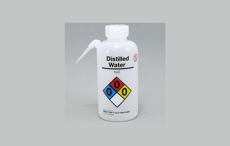 آب مقطر چیست؟ خواص، روش تولید و کاربردهای آن کدامند؟