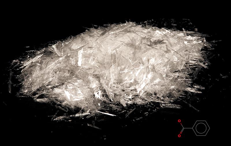 بنزوئیک اسید چه نوع ترکیب شیمیایی است؟ خواص، تولید و کاربردها